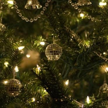 Christmas-tree-lights-4-1024x685.jpg